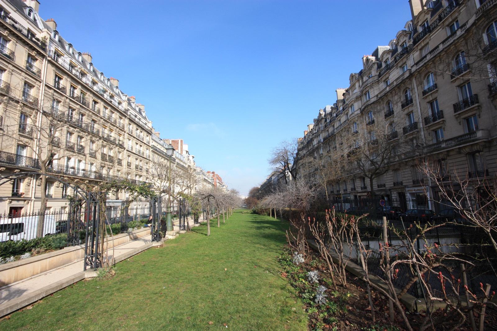 Au vert en ville l 39 immobilier paris 1 re courronne for Biens atypiques paris